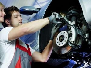 PKW Bremsen beim Service-Check