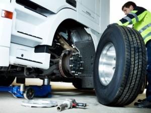 Reifen Wrede bietet 24h Pannenservice für LKW.